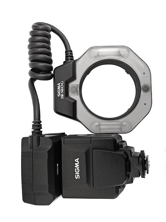 Рис. 8а. Точечная макрофотовспышка Sigma EM-140 DG Macro для Nikon.