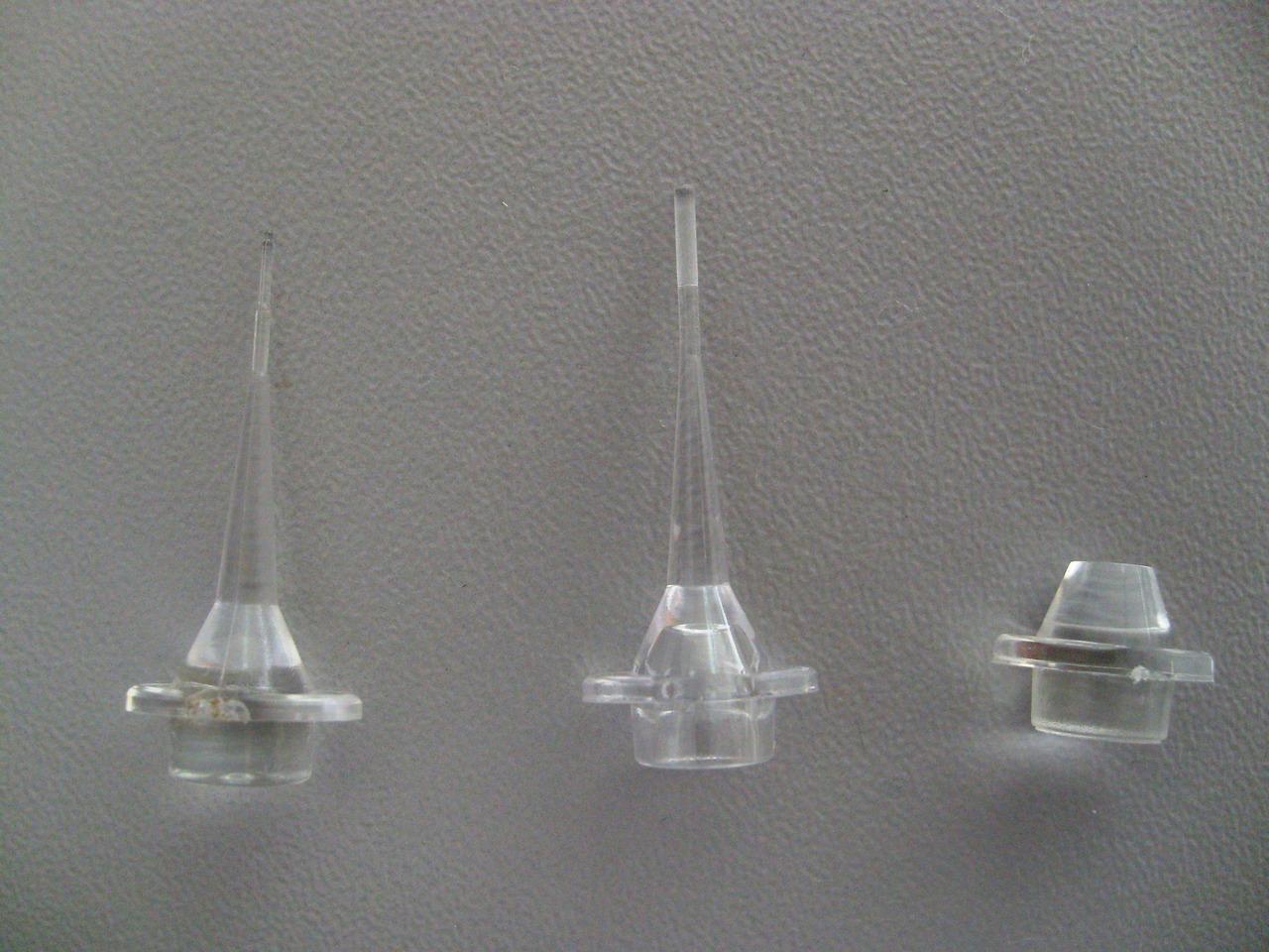 Рис. 4. Световоды для обработки каналов, пародонтальных карманов, слизистой оболочки (слева направо).