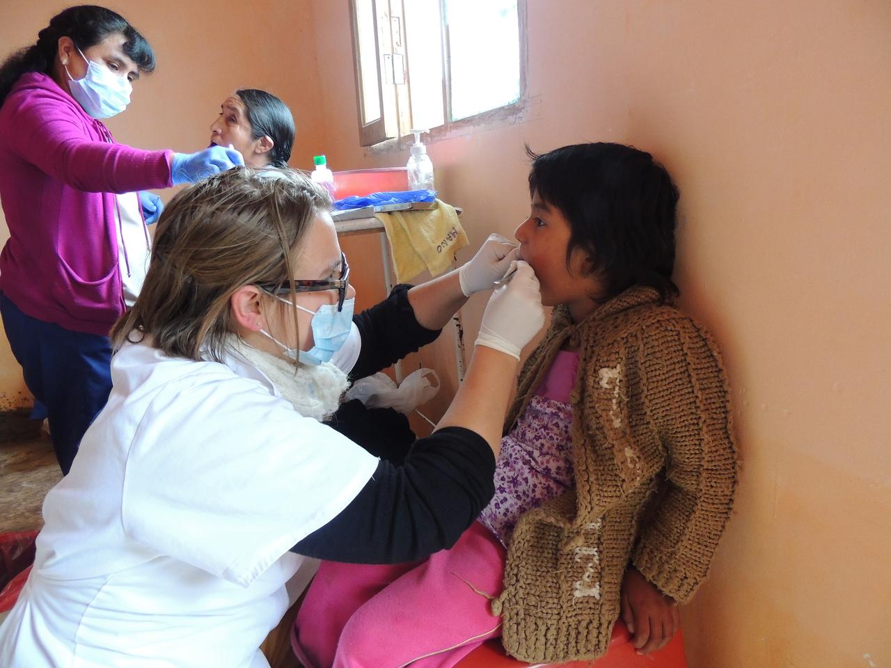 Dentistry in Bolivia - Harry Williams Hospital (Communitarian program) 3